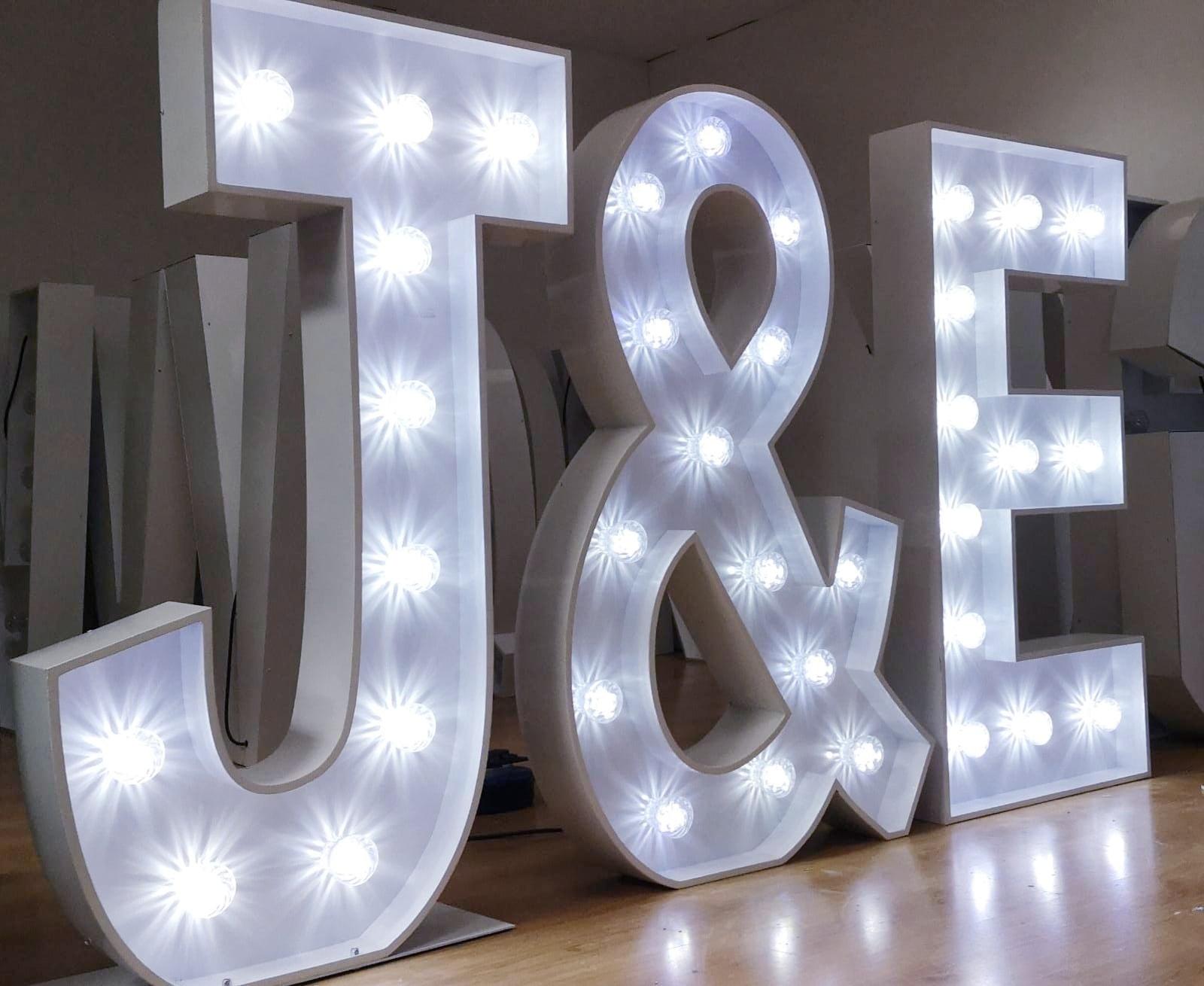 JE-Light-Up-Letters